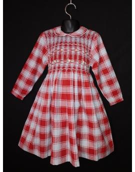 Robe smocks en coton carreaux rouge et blanc tirant sur le bleu pâle