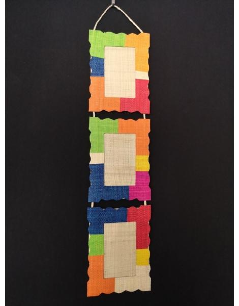 Cadres photos format portrait multicolore en raphia