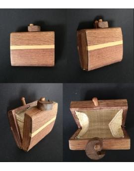 Porte monnaie en bois