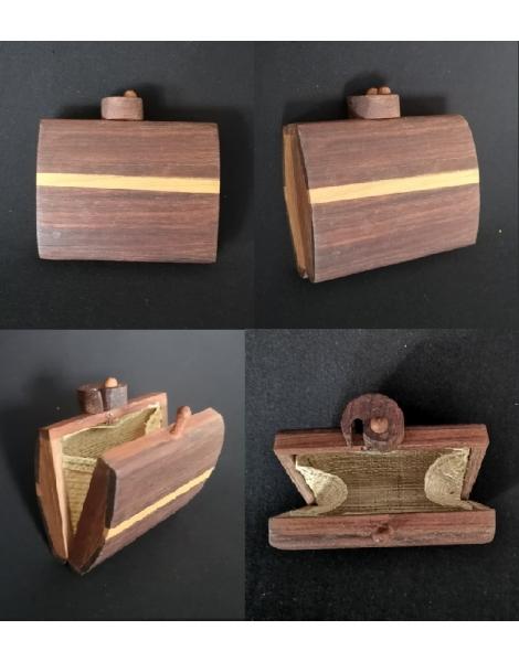 Porte monnaie en bois MM