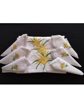 Nappe de table avec 12 serviettes blanches brodées à la main à motif fleur jaune