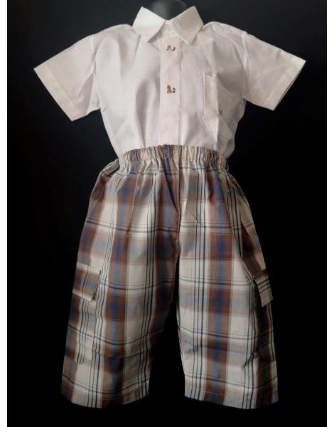 Ensemble chemise en coton blanc et bermuda écossais marron